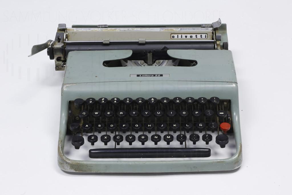HOMO FABER // Requisit / Schreibmaschine 1a