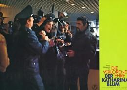DIE VERLORENE EHRE DER KATHARINA BLUM // Werbung und Verleih / Aushangfoto 2