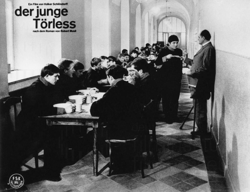 DER JUNGE TÖRLESS // Werbung und Verleih / Aushangfoto 1